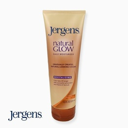Jergens Natural Glow Daily Moisturizer Revitalizing Medium to Tan Skin Tones 221ml